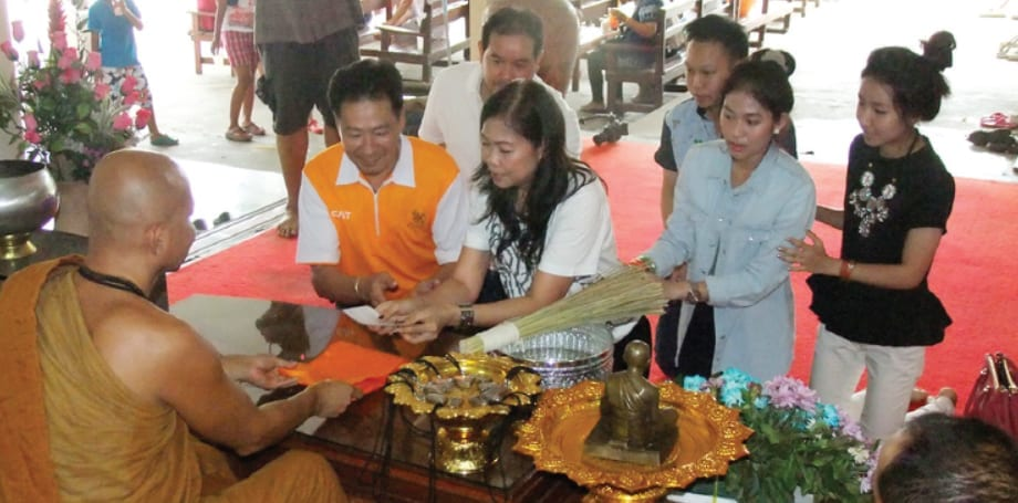 Support for Wat Huay Mongkol