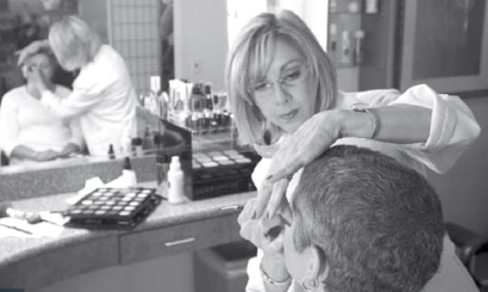 Beauty Makeovers Help Cancer Patients Heal