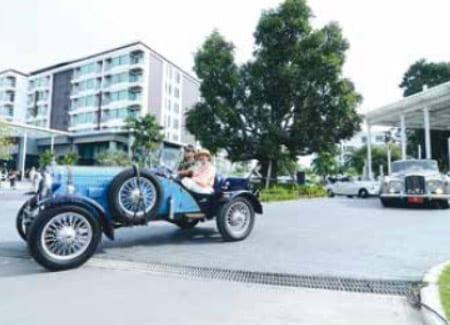 Vintage Car Parade at The Amari Resort