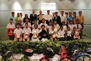 Lighting_Donation_Ceremony_Huahintoday_2014