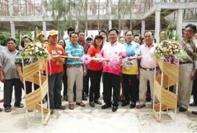 Cha-Am Mayor Opens New Bridge & Learning Centres