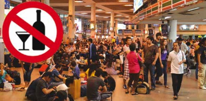 Govt. Bans Alcohol Sales at Bus Terminals and 'By the Roadside'