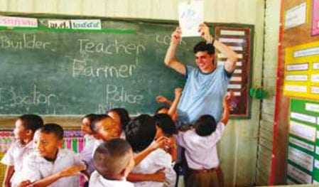 """Farangs Need to Pass """"Thainess"""" Course To Get Teacher License"""