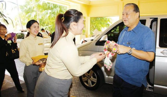 Dusit Thani Hua Hin Welcomes Bangkok Governor