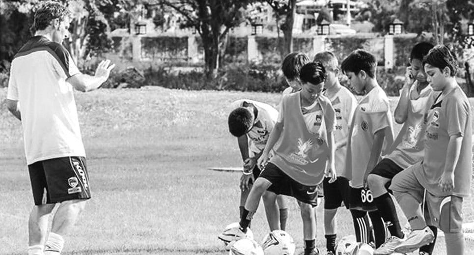 Dusit Thani Hua Hin Football Academy Welcomes Stanley Menzo