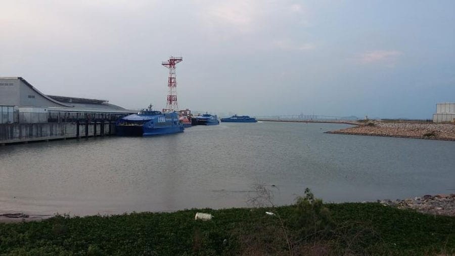 Military, Local Officials Study Pattaya Pier Options For Cross Gulf Ferry