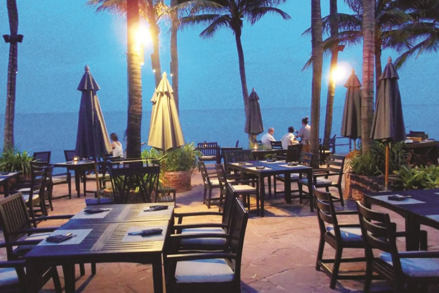 Oceanside Dining at its Best at Sai Thong