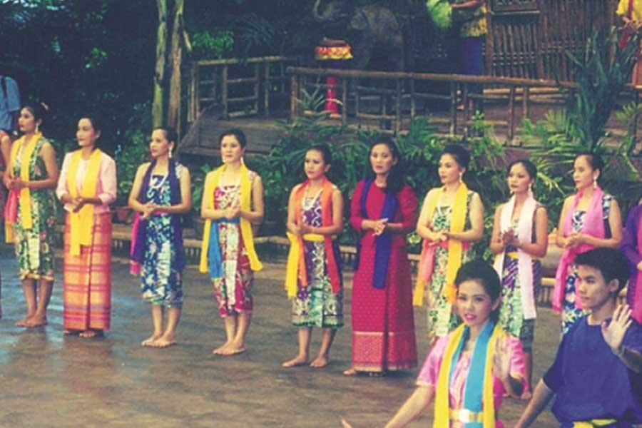 Dances of the Northeast of Thailand – Grace & Passion