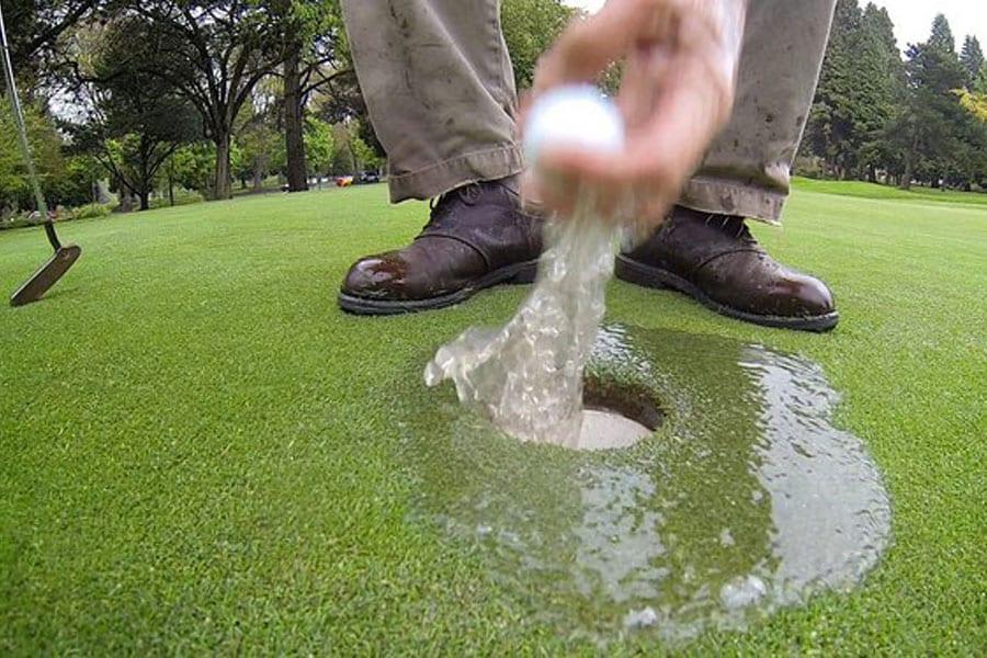 I'm Golfin' In The Rain, Just Golfin' in The Rain