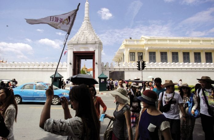 Foreign Tourist Numbers in December 2017 a Record High