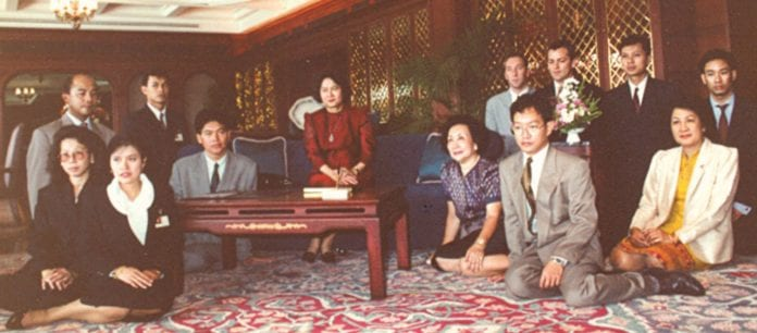 Farewell Letter : My life on the Dusit Thani Stage