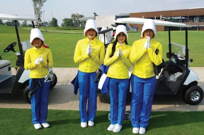 Migrant Workers Barred from Golf Caddy Jobs