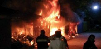 Fire Destroys Souvenir Shops in Hua Hin