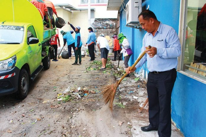Develop and cleaning the Hua Hin Municipality entrance