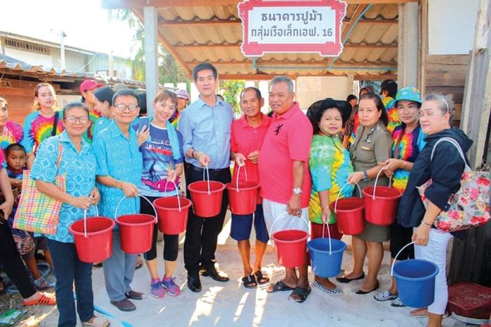 7 Million Baby Blue Crabs Released in Hua Hin Sea