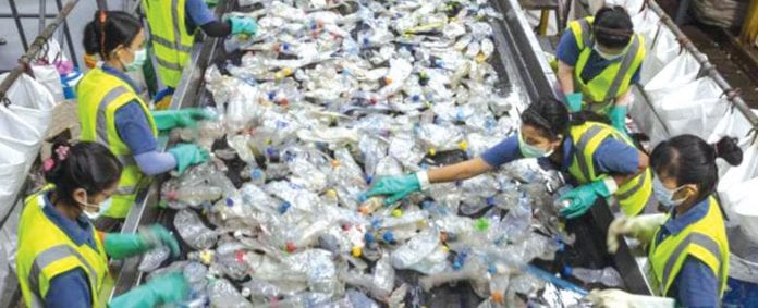 Thailand announces plans to ban imports of plastic waste