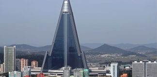 "Ryugyong Hotel in North Korea: ""HOTEL OF DOOM"""